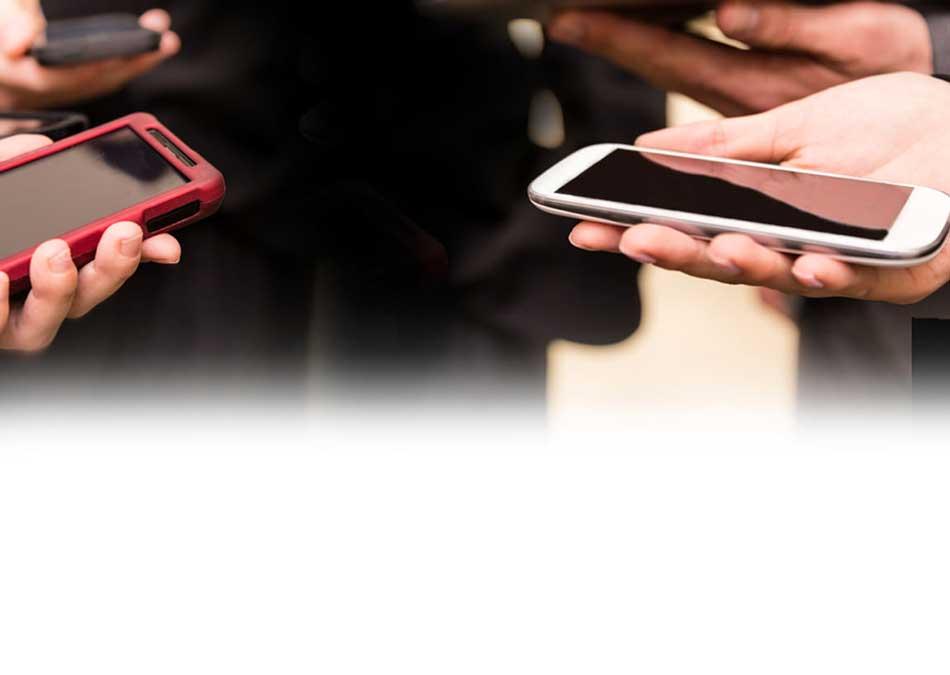 スマートフォンに接続し冷却する先端材料